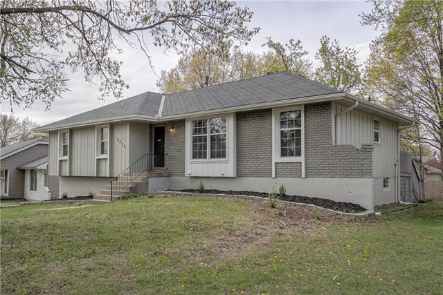 2236 NE 73rd Street Property Photo - Kansas City, MO real estate listing