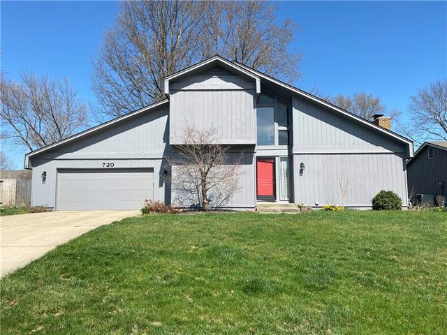 720 NE Cedar Street Property Photo - Lee's Summit, MO real estate listing