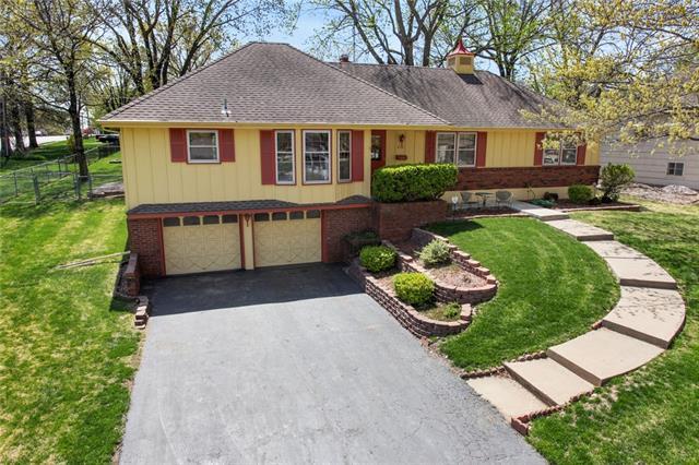 629 E 106th Street Property Photo - Kansas City, MO real estate listing
