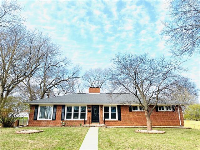 10824 W 70th Terrace Property Photo - Shawnee, KS real estate listing