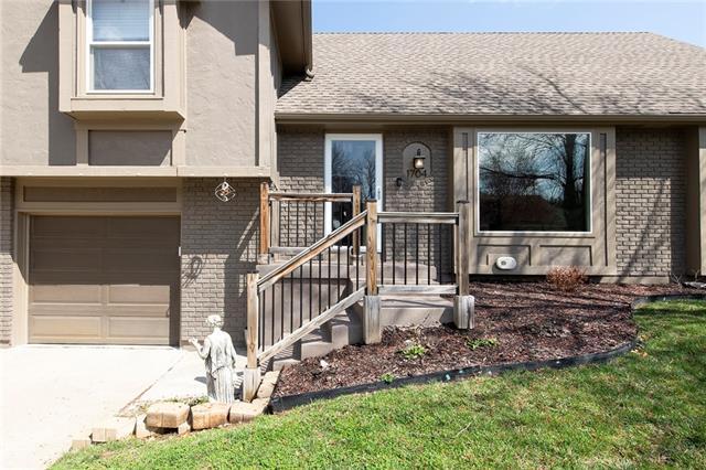 1704 E Stagecoach Drive Property Photo - Olathe, KS real estate listing