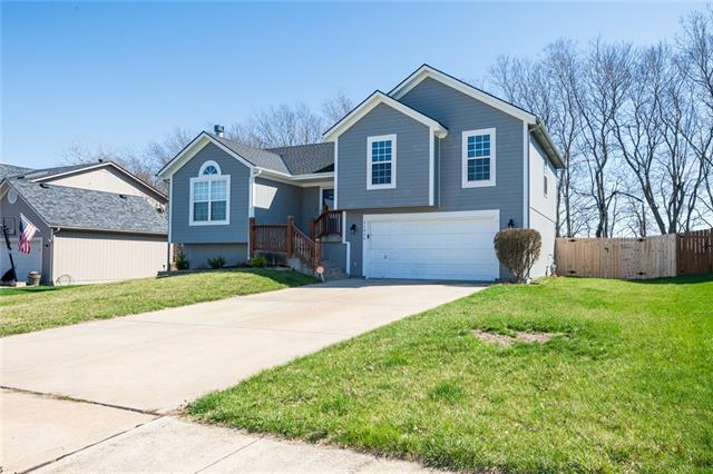 21055 W 227 Street Property Photo - Spring Hill, KS real estate listing