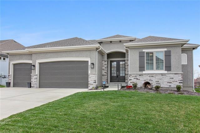 6031 Lakecrest Drive Property Photo - Shawnee, KS real estate listing
