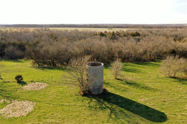 00004 Hedge Lane Property Photo - Fontana, KS real estate listing