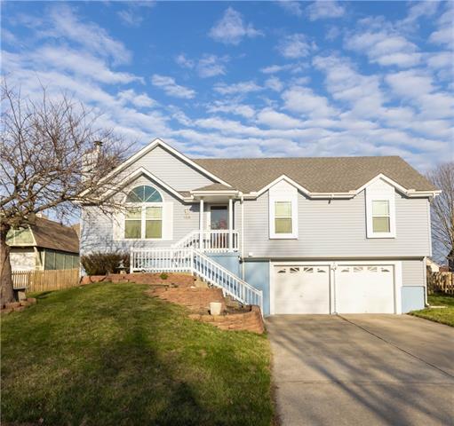 703 Furlong Drive Property Photo - Raymore, MO real estate listing