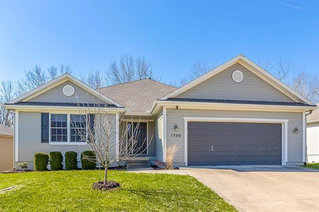 1306 Cottonwood Avenue Property Photo - Pleasant Hill, MO real estate listing