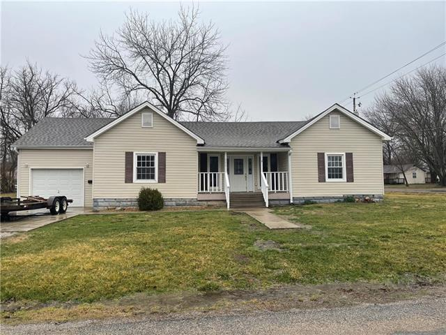 300 W Harrison Street Property Photo - Butler, MO real estate listing