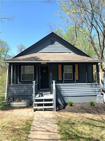 6944 College Avenue Property Photo - Kansas City, MO real estate listing