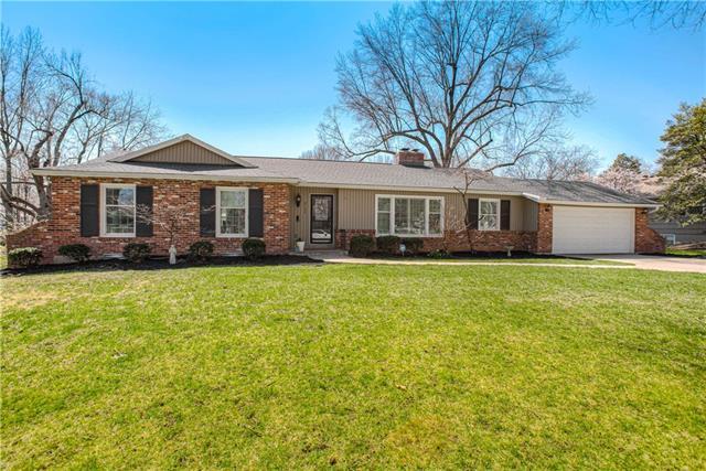 8124 Rosewood Drive Property Photo - Prairie Village, KS real estate listing