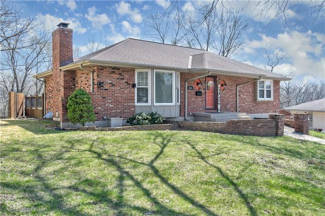 6913 Englewood Avenue Property Photo