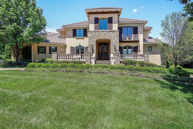 13906 Canterbury Circle Property Photo - Leawood, KS real estate listing