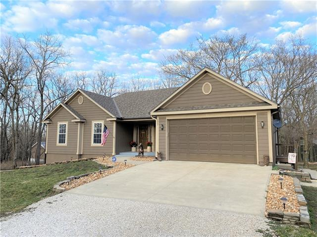 177 Boxelder Drive Property Photo - Linn Valley, KS real estate listing