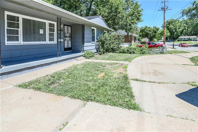 7020 Antioch Road Property Photo - Merriam, KS real estate listing