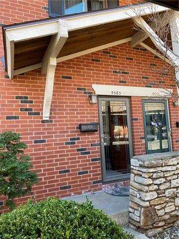 9583 Outlook Drive Property Photo - Overland Park, KS real estate listing