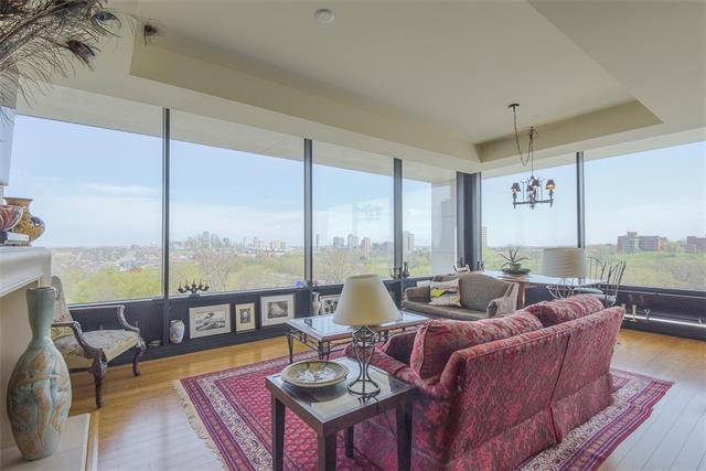 700 W 31 Street #404 Property Photo 1