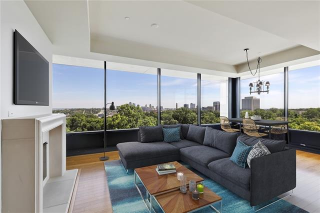700 W 31 Street #404 Property Photo