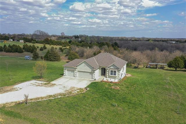 13068 166th Street Property Photo - Linwood, KS real estate listing