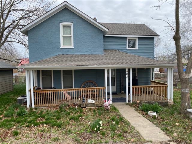 403 Delaware Street Property Photo - Oskaloosa, KS real estate listing