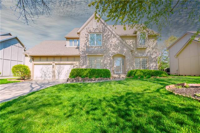 8028 Lingle Lane Property Photo - Lenexa, KS real estate listing
