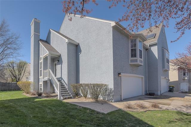 15703 W 90th Court Property Photo - Lenexa, KS real estate listing