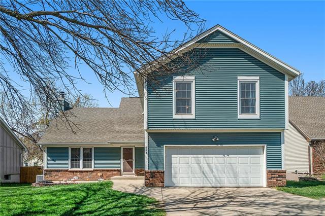 623 N Sunset Drive Property Photo - Olathe, KS real estate listing