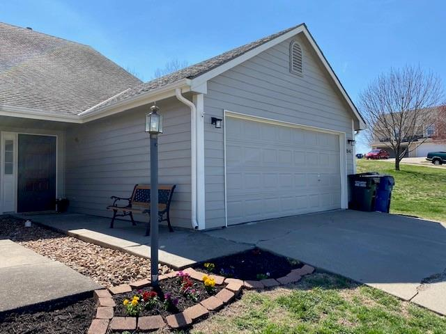 3545 Morning Dove Circle Property Photo - Lawrence, KS real estate listing