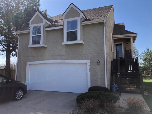 9239 Loiret Boulevard Property Photo - Lenexa, KS real estate listing