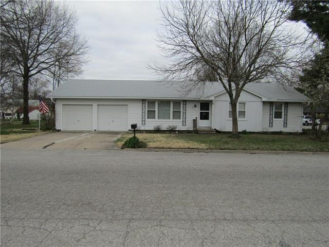 2807 Cypress Street Property Photo - Higginsville, MO real estate listing