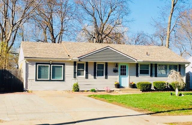12922 92nd Street Property Photo - Lenexa, KS real estate listing