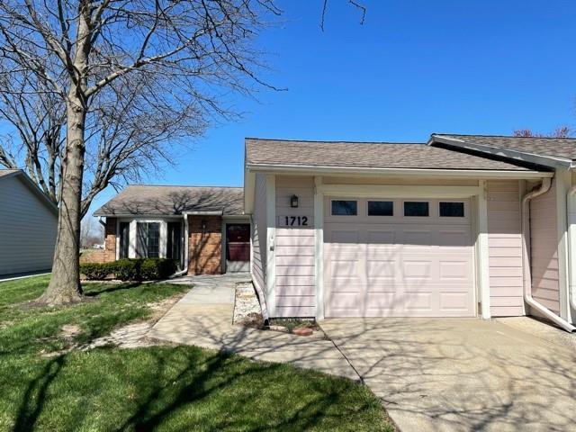 Foxwood Springs Real Estate Listings Main Image