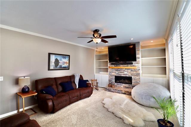 24903 E Timberlake Drive Property Photo 4