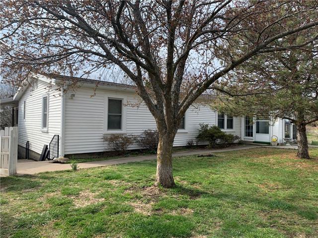 37411 E Faulkenberry Road Property Photo - Lone Jack, MO real estate listing