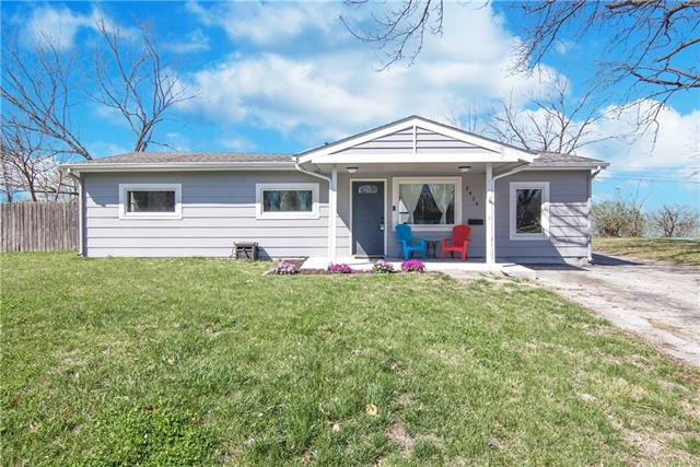 2426 S 51st Court Property Photo - Kansas City, KS real estate listing