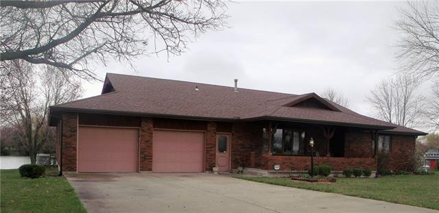 36 Lakeview Drive Property Photo - Garnett, KS real estate listing