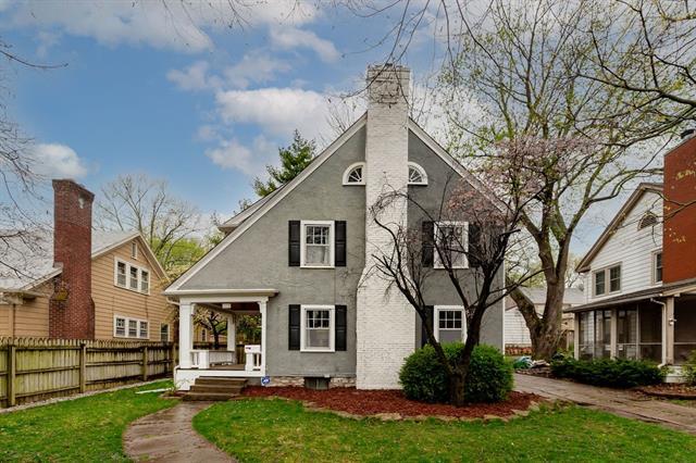 6220 Oak Street Property Photo