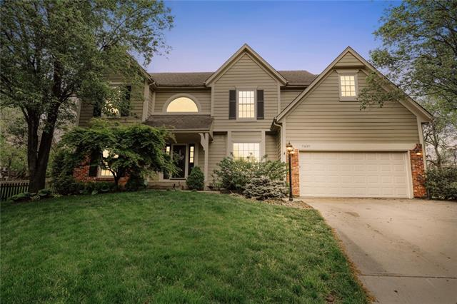 9809 W 131st Street Property Photo - Overland Park, KS real estate listing