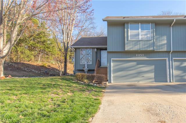 10150 Shearer Drive Property Photo - Edwardsville, KS real estate listing