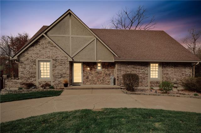 1513 NW 18th Street Property Photo - Blue Springs, MO real estate listing