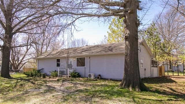 305 N Jefferson Street Property Photo - East Lynne, MO real estate listing