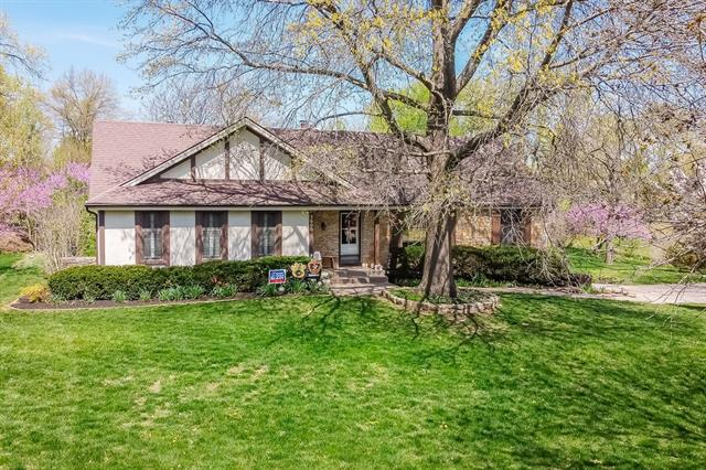 5600 W 162nd Street Property Photo - Stilwell, KS real estate listing