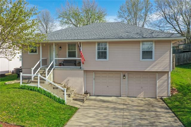 1941 S Leslie Drive Property Photo - Independence, MO real estate listing