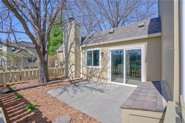 12111 Charlotte Street Property Photo - Kansas City, MO real estate listing