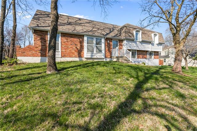 9904 NW 72nd Terrace Property Photo - Weatherby Lake, MO real estate listing