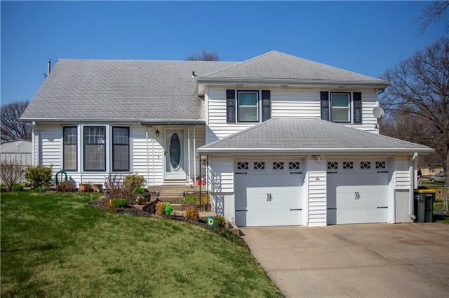 209 HIGHLAND Road Property Photo - Lansing, KS real estate listing