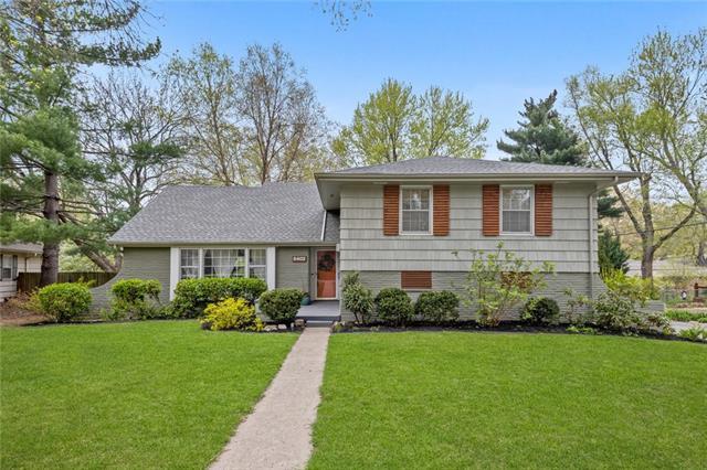 5402 W 80th Terrace Property Photo - Prairie Village, KS real estate listing