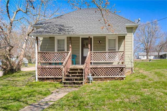 1040 walnut Street Property Photo - Osawatomie, KS real estate listing