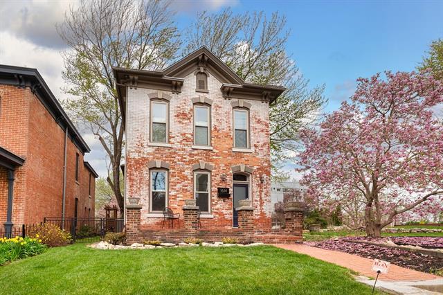 1614 Summit Street Property Photo