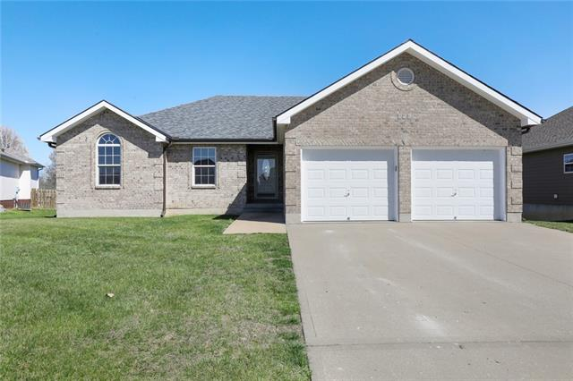 956 Moore Place Property Photo - Odessa, MO real estate listing
