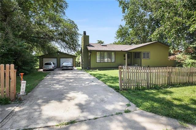 1303 W 21st Street Property Photo - Kansas City, MO real estate listing