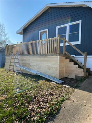 699 Hickory Street Property Photo - Warsaw, MO real estate listing